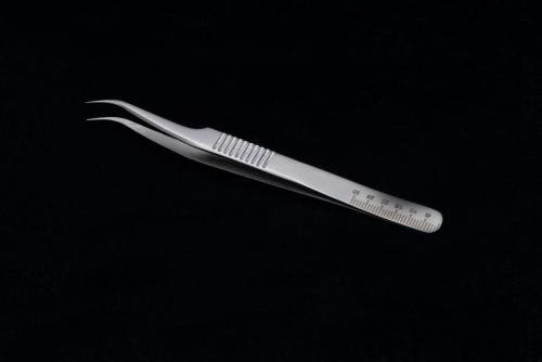 single tweezers 1